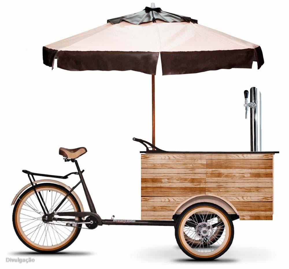 Cerveja na bicileta e nos famosos Tuk Tuks (triciclos motorizados com cabine) — esses são os novos modelos de negócio que prometem ser adotados por quem pensa em empreender no mercado cervejeiro. Desenvolvidos pela empresa Brand Beer Inteligência, o Bike Beer e o Tuktuk Beer são uma espécie de bar ambulante: possuem de uma a três torneiras, na bicicleta, e quatro, no Tuktuk, além de toda a estrutura necessária para o serviço. Os preços variam de R$ 12 mil a R$ 17 mil e o prazo de entrega é de até 35 dias.